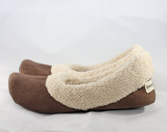 Women's Slippers - Sherpa Slippers - Soft Sole Shoes - Chocolate