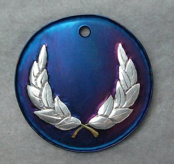 Inlaid Laurel Medallion