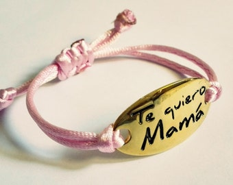 Bracelets and key chains for moms, grandmothers and godmothers