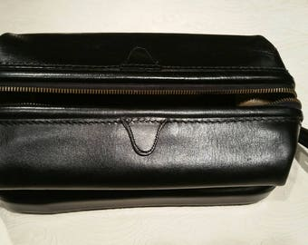 Vintage Dopp Kit, Chicago. Black leather.