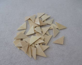 "40 wood triangles, unfinished, 1 1/8"" x 9/16"" x 1/16"", for wood crafts, wood shapes, wood pieces, kid's crafts"