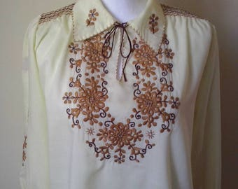 Traditional Vintage Hungarian Vanilla Brown Floral Flower Hand Embroidered Folk Peasant Blouse Size S or M