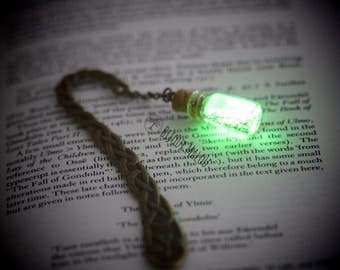 Celtic Glow in the Dark Bookmark Celtic Knot Bookmark with Bottle Green Glowing Bookmark Shamrock Irish Bookmark Saint Patrick's Day