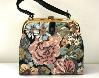 Beautiful vintage floral tapestry handbag.