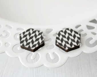 Black and white pattern wood earrings D54