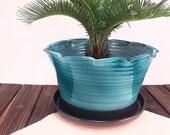 Large ceramic planter, gr...