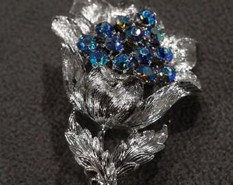 Vintage Art Deco Style Silver Tone Glass Stone Aurora Borealis Floral Design Pin Brooch Jewelry -K#63
