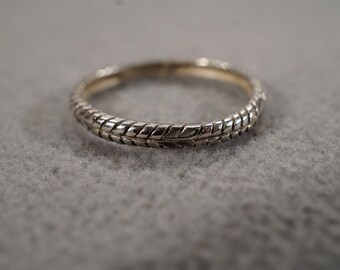 vintage sterling silver eternity band ring with southwest styling, size 9  M2
