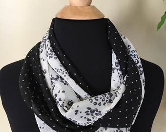 Duo black and white scarf