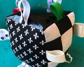 Black and White Activity Cube, Sensory Block, Ribbon Tag Cube, Interactive Development Toy, Rattle Nursery Toy,  Gift for Baby