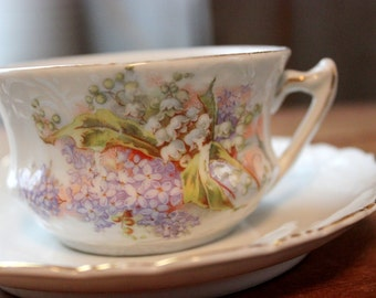 Vintage Tea Cup Set Japanese Porcelain Floral China Lily Valley Violets Wisteria Flower Transferware Pattern Serving Gold Trim Home Dining