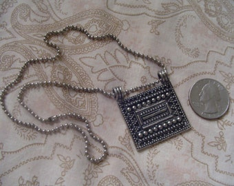 """Both Vintage -- Unusual Dark Silvertone One and 1/2""""  X One and 1/4"""" Pendant w/ 16"""" Chain + Harmonizing Pierced Earrings Jewelry -- DSC P77"""