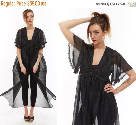 Vtg 80s PEIGNOIR Goth Angel Sleeve Ruffle ROBE Maxi Dress DUSTER Kimono Jacket Retro Pin Up Sexy Lingerie Negligé Grunge Babydoll Kitschy