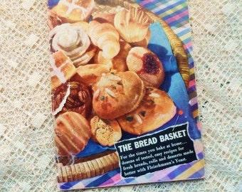 1943 Fleischmann's Yeast The BREAD BASKET Recipe Book-Vintage Cookbook-Cook Book-Home Baking-Rolls-Desserts-Orphaned Treasure-122816J