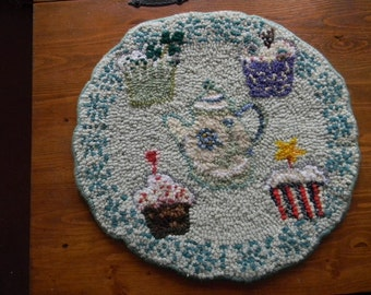 Hand Hooked Wool Table Mat