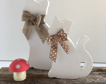 Wooden small kitten decoration
