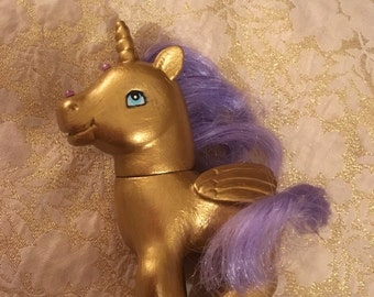 """Gold and lilac unicorn with wings 4x4"""" diamante"""