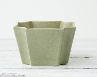 Vintage Green Haeger Planter - Green Flower Pot - Mid Century Planter - Ceramic Planter