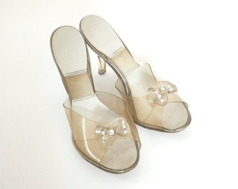 """Vintage 40s/50s """"Glass Slippers""""-Clear Lucite Peep Toe Heels -Womens US Size 6 Narrow -Fashion/ Costume Heels -Rhinestone Lucite Heel & Bow"""