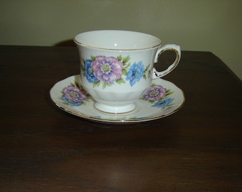 Queen Anne 8543 pink blue flowers cup and saucer mint condition