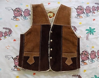 Vintage 70's two tone Suede Sherpa lined Vest, size Small genuine Leather