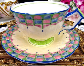 Aynsley tea cup and saucer deco painted pattern teacup crocus shape