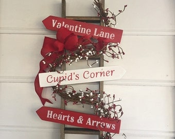 Valentines Day Decor for Your Home.  Valentine Wreath Type Decor for Your Door. Also Makes a great gift.  Item ships within 48 HOURS!