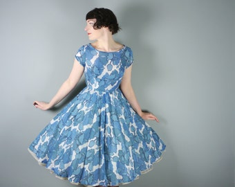 60s 50s SUMMER dress in blue and white FLORAL print - full PLEATED skirt - romantic Rockabilly Mid Century day dress uk8 / xs