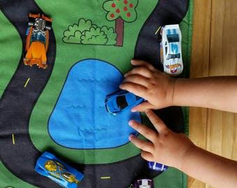 Car Play Mat - Blue Polka Dot/Orange Polka Dot Pockets