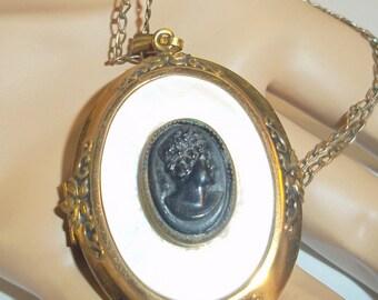 Victorian Style Vintage Cameo Locket Pendant Necklace