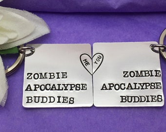 Zombie Couple Keyring - Walking Dead Keychain - Zombie Apocalypse Keychain - Walking Dead Keyring - Boyfriend Gift - Personalised Gift