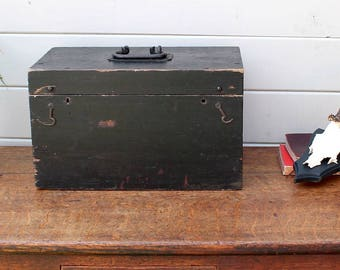 Old Wooden Tool Box, Rustic Box / Trunk / storage
