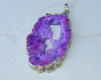 Purple Druzy Pendant. Geode Pendant. Agate Druzy Pendant. Geode Slice. Gold Plated Edge -  - 40mm x 70mm - 905