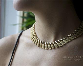 Alexys - Vintage gold tone link collar necklace, tassel shaped links