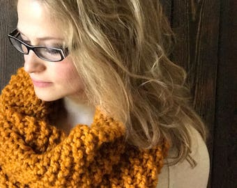 Mustard Cowl, Knit Mustard Scarf, Women's Chunky Cowl, Super Chunky Knit Cowl, Chunky Scarf, Hand Knit Scarf, Big Chunky Cowl