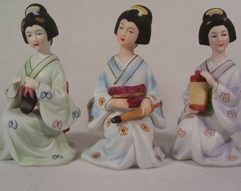 Geisha Figurines Porcelain Three        S975