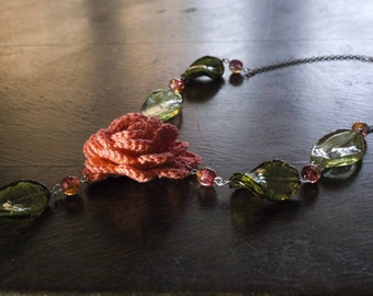 Crochet necklace, salmon pink rose, Murano glass beads, crochet jewelry, beaded necklace, crochet bijoux, irish rose, bridesmaids jewelry