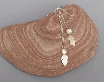 Sterling Silver and Moonstone mini-leaves Earrings