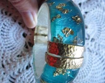 Vintage Lucite Gold Flake Bangle Bracelet Turquoise Clamper