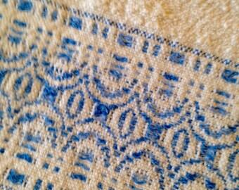 Handwoven guest towel, vintage, rosepath pattern