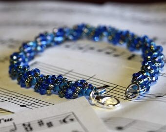 September Swarovski Spiral Birthstone Bracelet (Sapphire)