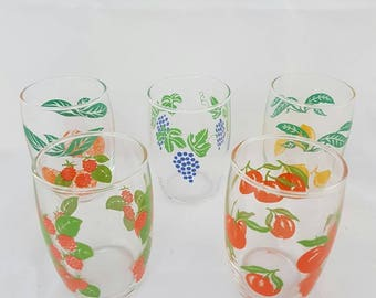 Vintage//juice glass//set of 5//fruit and print//Retro////glaasjes//glasses/juice/party//collection//
