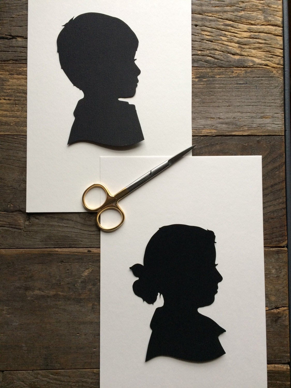silhouette paper The silhouette paper has a matte black finish on one side and is white on the reverse side the paper measures 8-1/2 x 11 inches and comes with 25 sheets per pack.