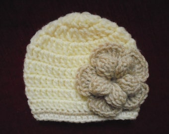 Newborn girl hat, cream baby girl hat, newborn girl outfit, girl hospital hat, crochet baby hat, flower beanie, girl take home outfit