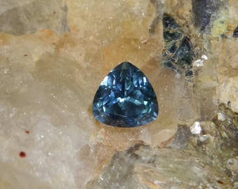 Blue sapphire, 1.36 carats, trilliant cut