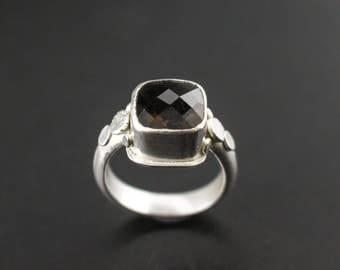 Smoky Quartz Pebble Ring
