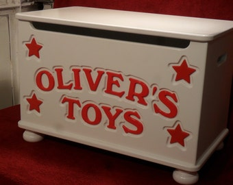 Personalized Toy Box, handmade toy chest, Toybox with Hearts. Design 1