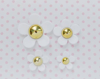 30mm - 20mm Kawaii White Daisy Decoden Cabochon - 4 piece set