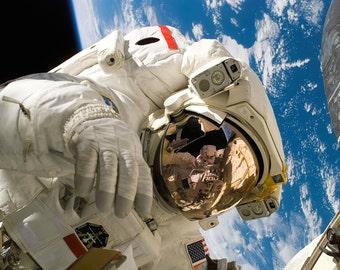 Astronaut Spacewalk Print/Poster. (4010)