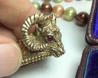 9ct Gold Rams Head Ring Vintage Ruby Eyed Ram Ring - Great for Ram Truck Lover -